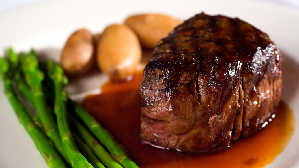 Beef Tenderloin with Pinot Noir Sauce