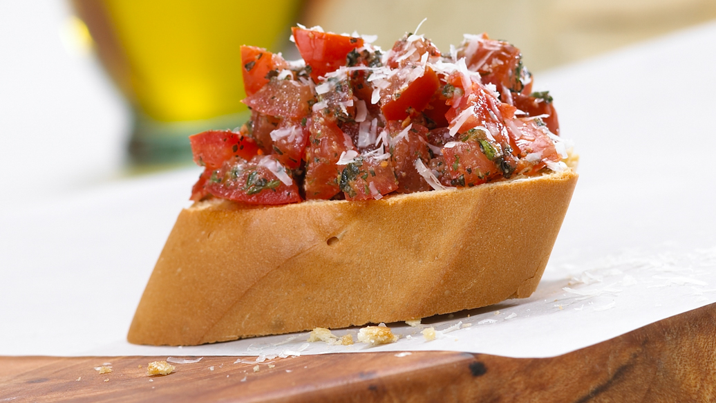 Classic Bruschetta with Pesto