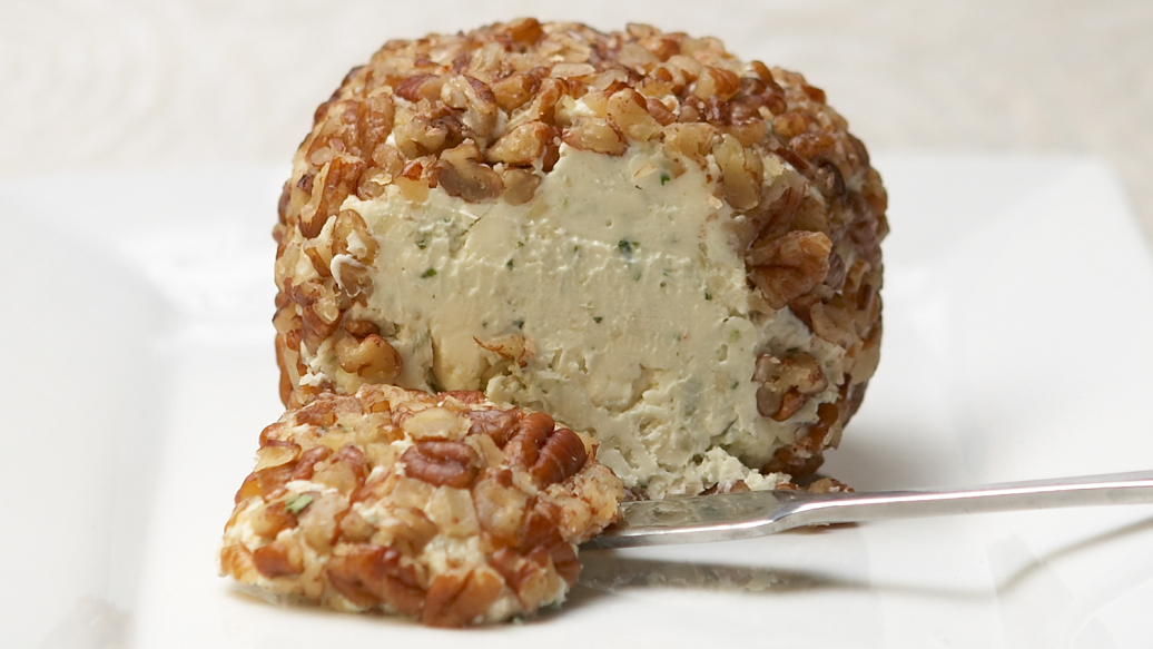 Blue Cheese and Onion Cheese Ball