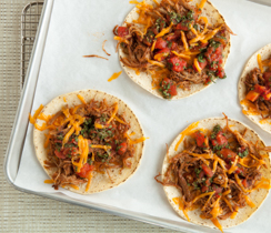 Mini pizza mexicaine sur tortillas