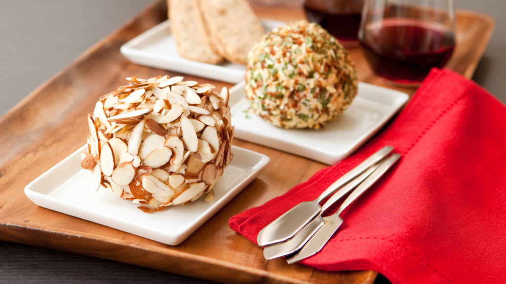 Cran & Apple Cinnamon Cheese Ball