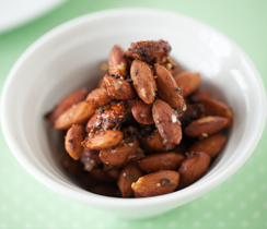 3 Onion Roasted Almonds