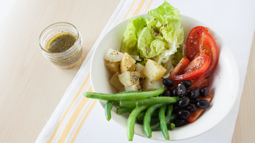 5-Minute Niçoise Salad & Lemon Dilly Vinaigrette