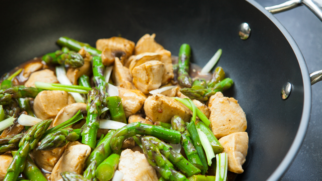 Chicken and Asparagus Stir-fry | Epicure.com